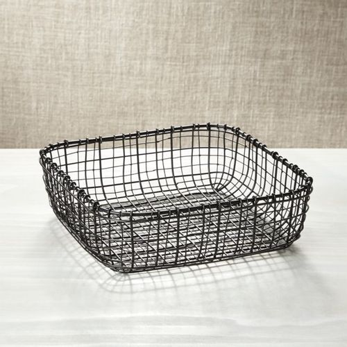 Canasta-de-Metal-Bendt-Crate-and-Barrel